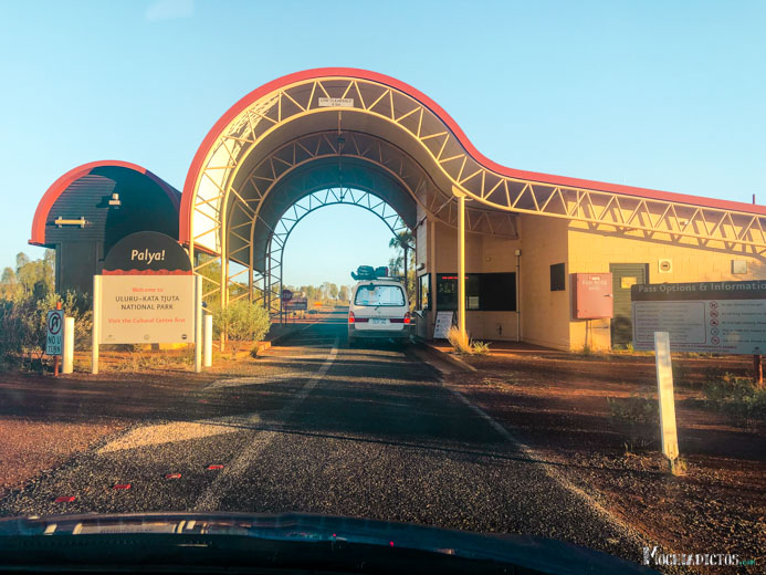 Consejos para viajar a Uluru, Ayers Rock, Australia. www.mochiadictos.com