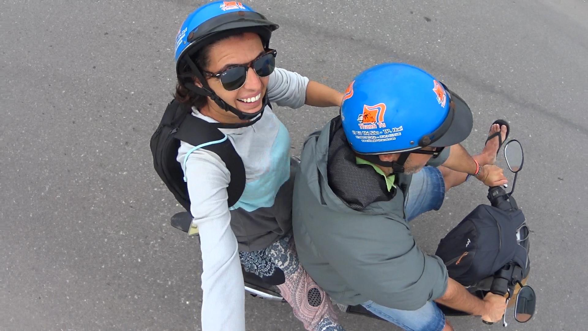 Haciendo la ruta de Hue a Hoi An en moto
