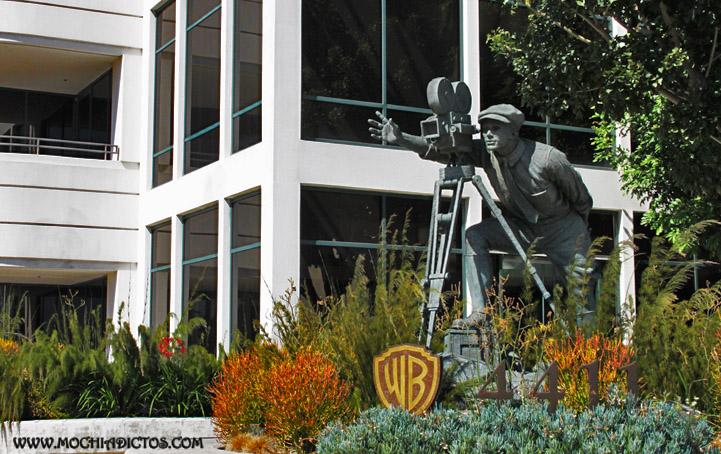 Estatua Hombre Warner