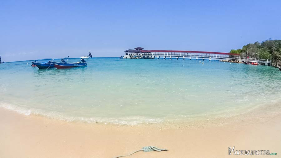 Embarcadero de Coral Beach
