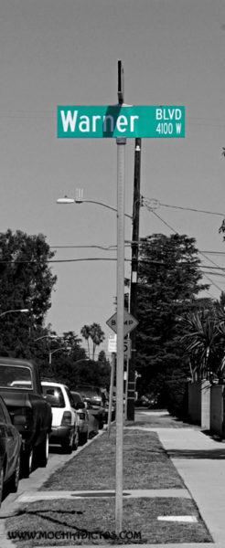 Señal de calle warner