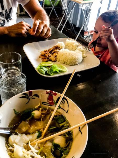 donde comer en Krabi con niños