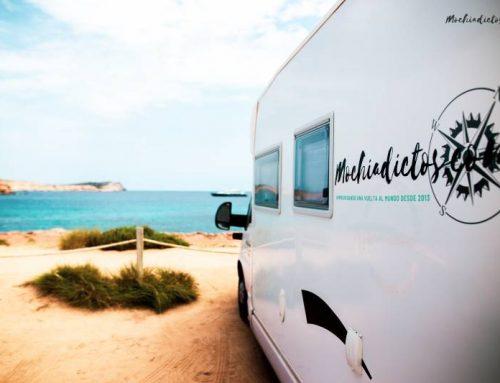 10 datos que te gustará saber al viajar a Ibiza en furgoneta o Autocaravana