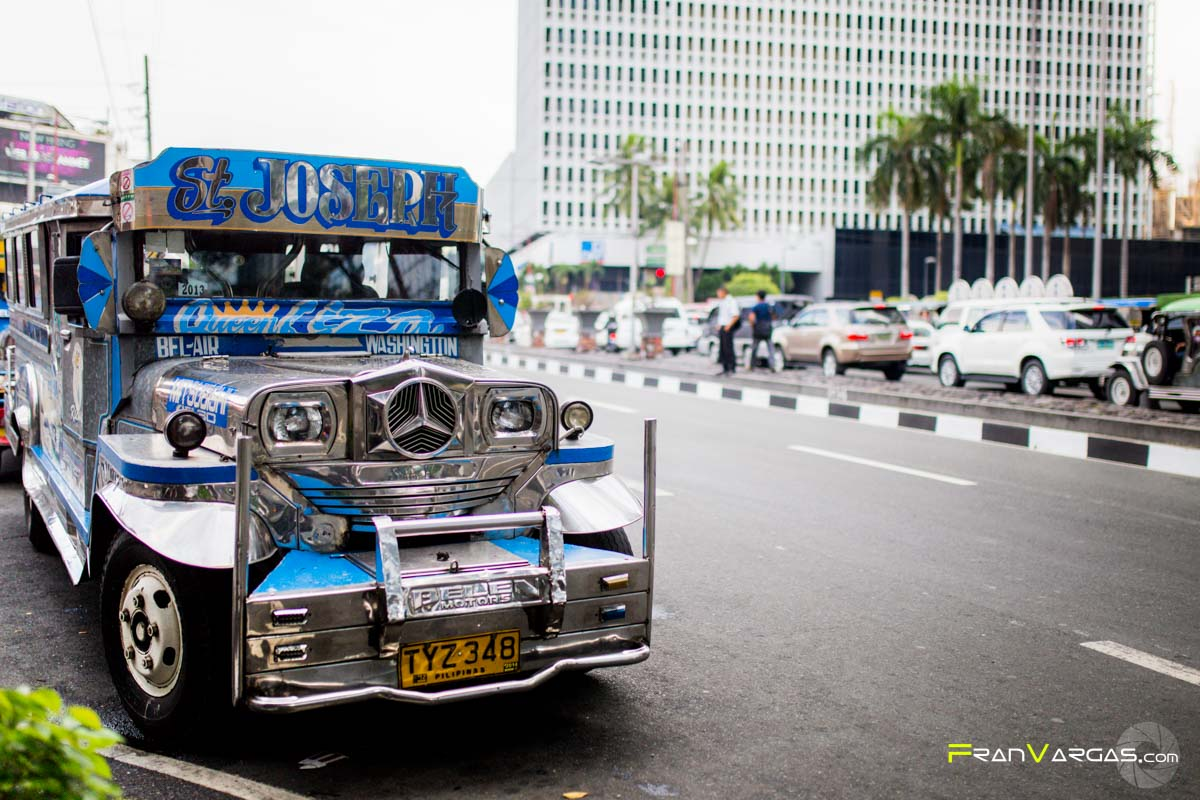 Los famosos Jeepneys de Manila. El transporte local.